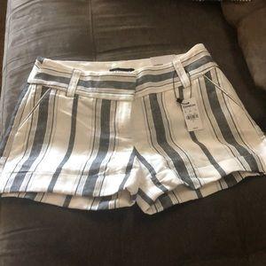 MIDI Mid Rise shorts